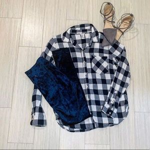 Tops - FOREVER 21 plaid button down